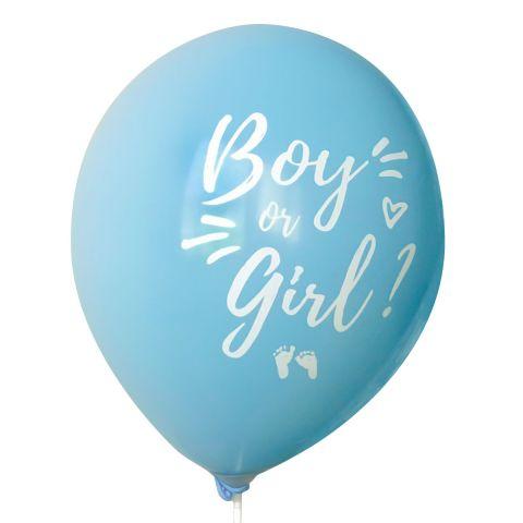 """Hellblaue Ballons mit weißem Aufdruck """"Boy or girl?"""" und Füßchen und Herzchen."""