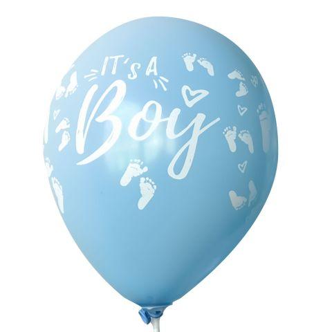 """Hellblauer Luftballon mit weißem, aufgedruckten Schriftzug """"It's a boy!"""" mit vielen kleinen Baby-Füsschen rundum."""