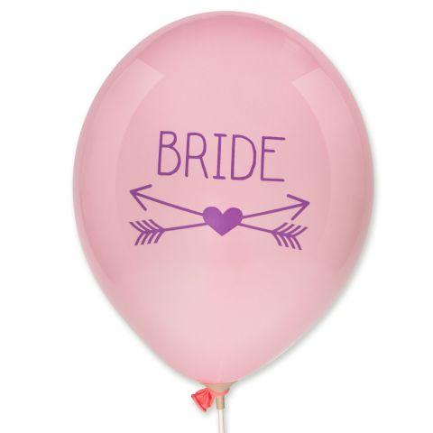 """Rosa Ballons mit liafarbenem Aufdruck """"Bride"""" mit gekreuzten Pfeilen und Herz darunter."""
