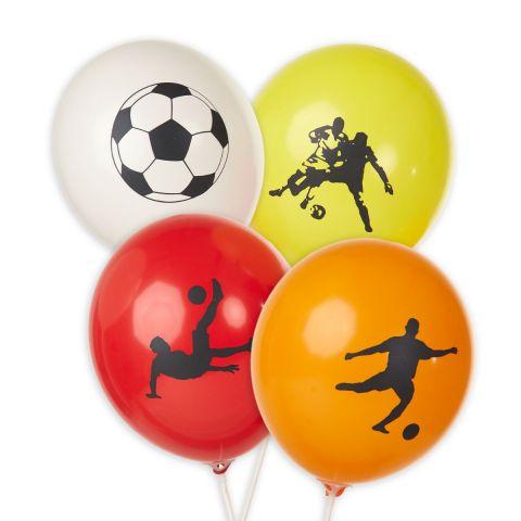 """Weißer Luftballon mit Fußballaufdruck, gelber Luftballon mit Aufdruck """"2 Fußballer"""", roter Luftballon mit Aufdruck """"Fallrückzieher"""", oranger Luftballon mit Aufdruck """"Fußballspieler""""."""