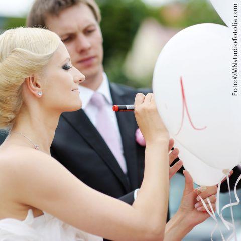 Luftballon-Dekoset: Glückwünsche für das Brautpaar