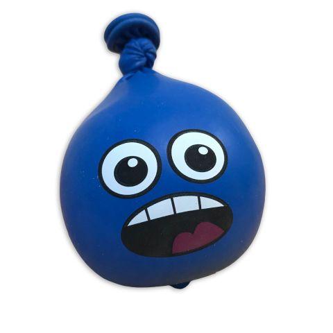 """Blauer Luftballon als Anti-Stress-Ball """"Scary"""" , gefüllt mit Sand, mit aufgedrucktem buntem, offenem Mund und weit geöffneten Augen."""