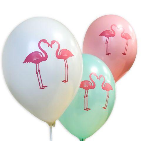 """Weiße, mintgrüne und rosa Luftballons mit pinkem Aufruck """"2 Flamingos stehen sich zugewandt""""."""